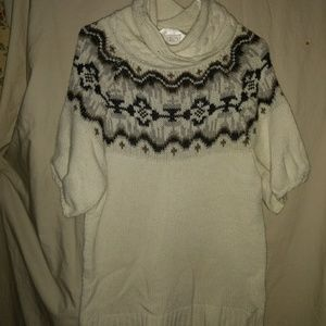 Old Navy Crowl neck sweater
